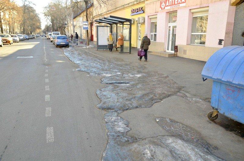 В Одессе «дороги знаний» остались покрыты льдом (ФОТО), фото-5