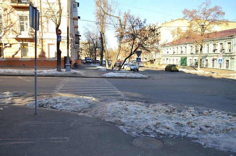 В Одессе «дороги знаний» остались покрыты льдом (ФОТО), фото-2
