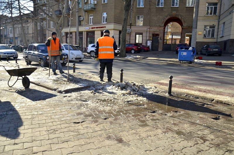 В Одессе «дороги знаний» остались покрыты льдом (ФОТО), фото-11