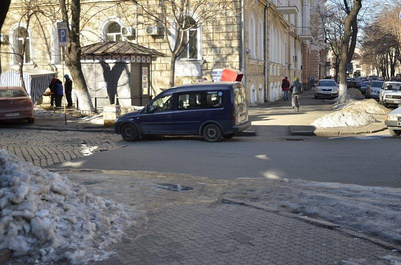 В Одессе «дороги знаний» остались покрыты льдом (ФОТО), фото-7