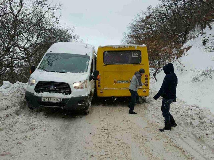 Южнобережные Гаспра и Кореиз на выходных  оказались в снежном плену, фото-2