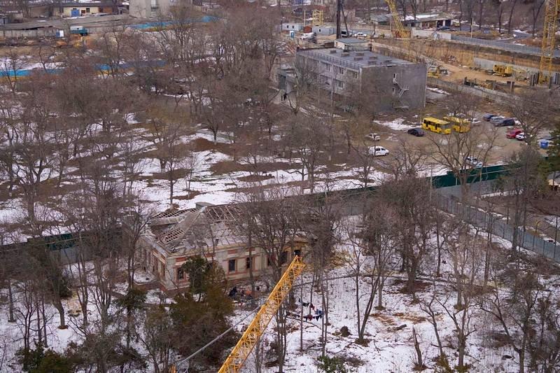 Бомжи разместились на базе отдыха в одесской Аркадии (ФОТО), фото-1