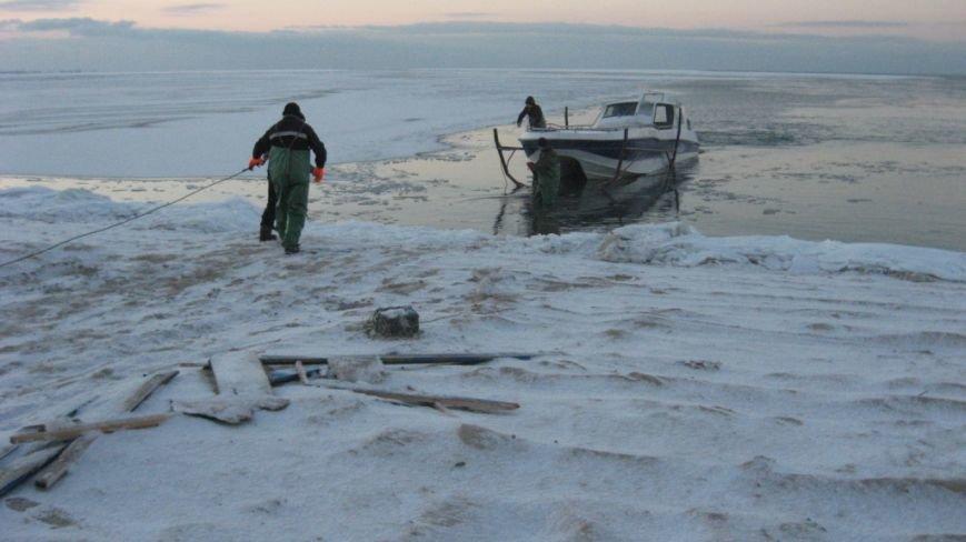 В Азовском море задержали три лодки с нарушителями пограничного режима (ФОТО), фото-3