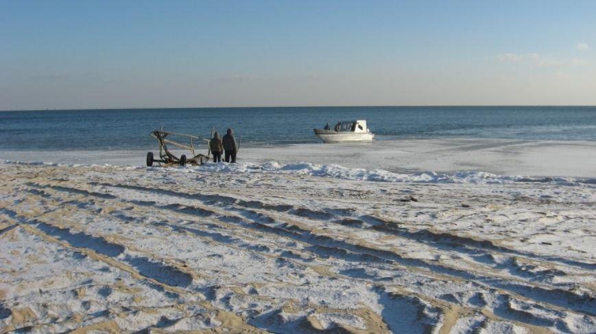 В Азовском море задержали три лодки с нарушителями пограничного режима (ФОТО), фото-1