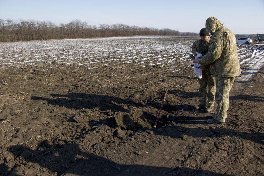"""Град"" вспахал поле под Мариуполем (ФОТО), фото-2"
