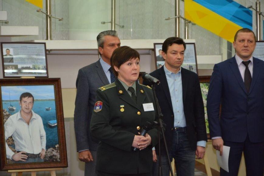 В Днепре презентовали выставку и спектакль, посвященные погибшим сотрудникам СБУ (ФОТО), фото-2