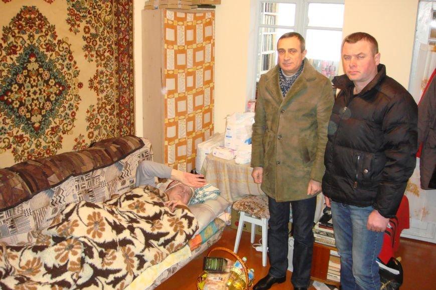 В памятную дату освобождения блокадного Ленинграда ветеран Алупки принимал поздравления, фото-1