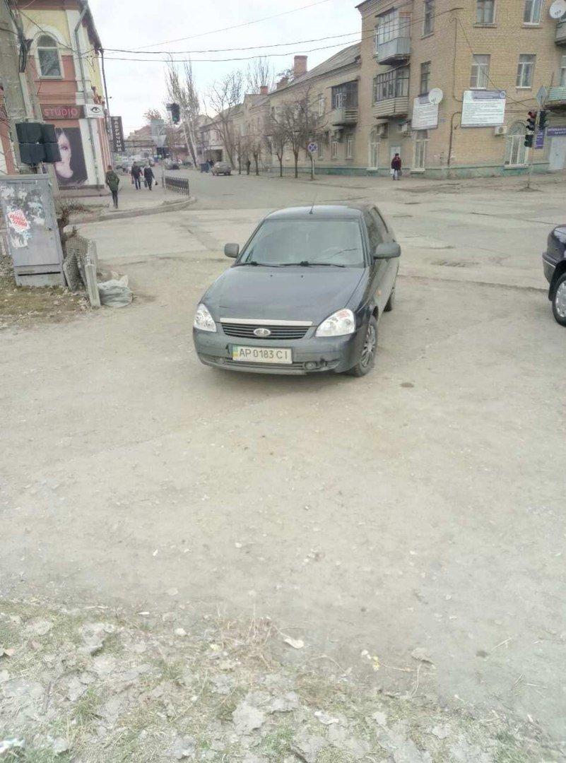"""Возле полиции поймали """"героев парковок"""", фото-1"""