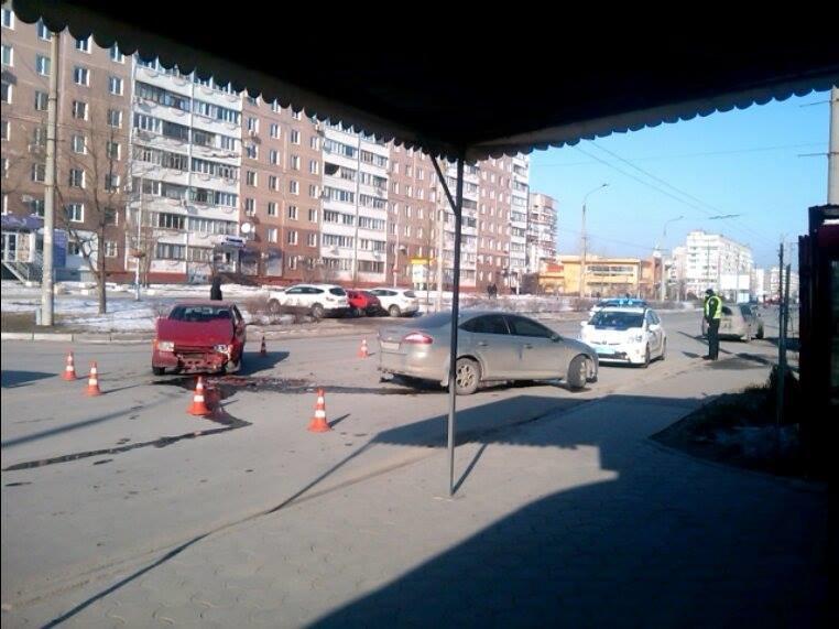ДТП на Песках: столкнулись две легковушки, - ФОТОФАКТ, фото-2