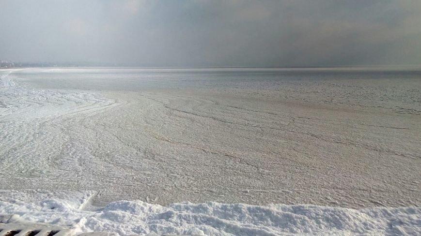 В одесской Лузановке море превратилось в ледяную пустыню (ФОТО), фото-2