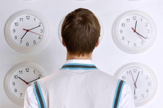 Перевод часов в Саратовской области еще на час вперед, фото-1