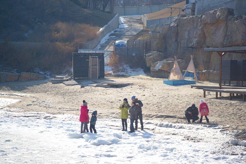 В Одессе вдоль Трассы здоровья растянулись километры льда (ВИДЕО, ФОТО), фото-27