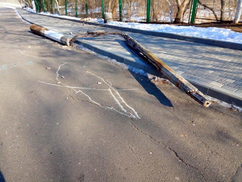 Вдоль одесских пляжей разрушили фонарные столбы (ФОТО), фото-10