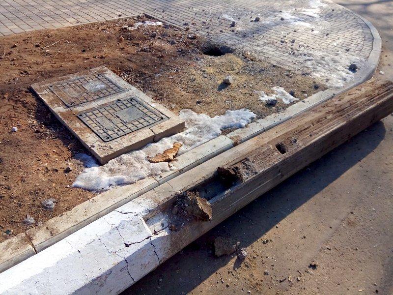 Вдоль одесских пляжей разрушили фонарные столбы (ФОТО), фото-6