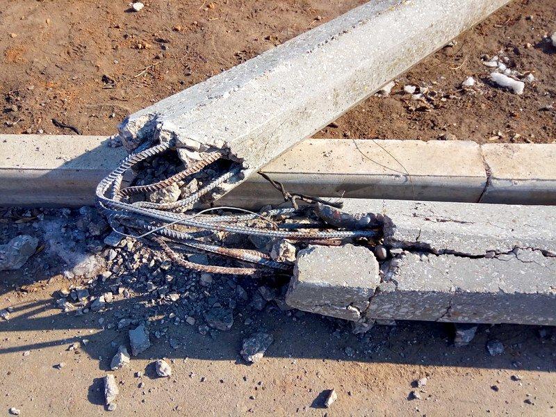 Вдоль одесских пляжей разрушили фонарные столбы (ФОТО), фото-8