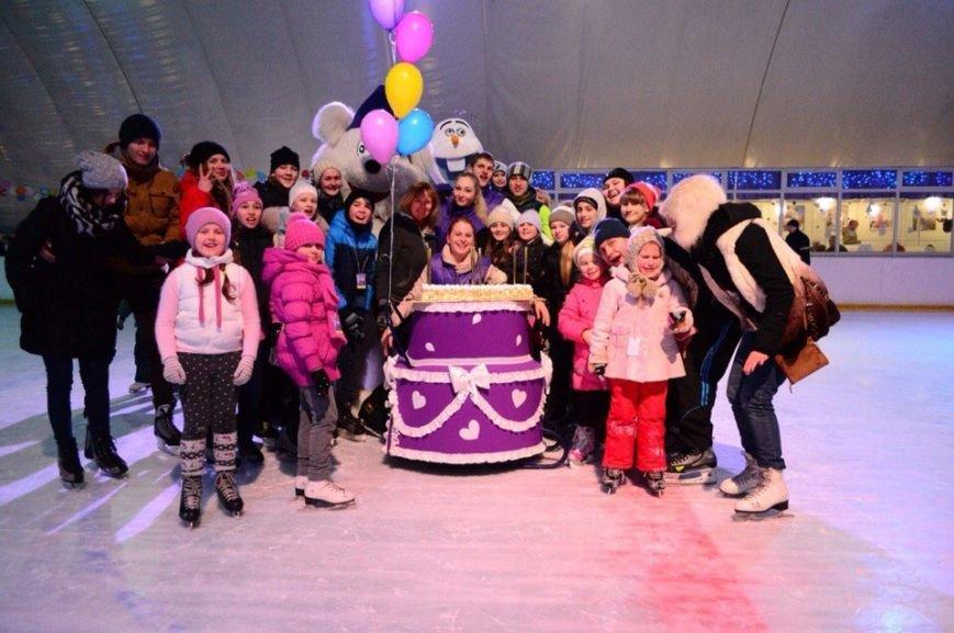 """Одесский """"УМКА"""" грандиозно отпразднует 9-летие: приходи на торт и боулинг на льду  (АФИША), фото-1"""