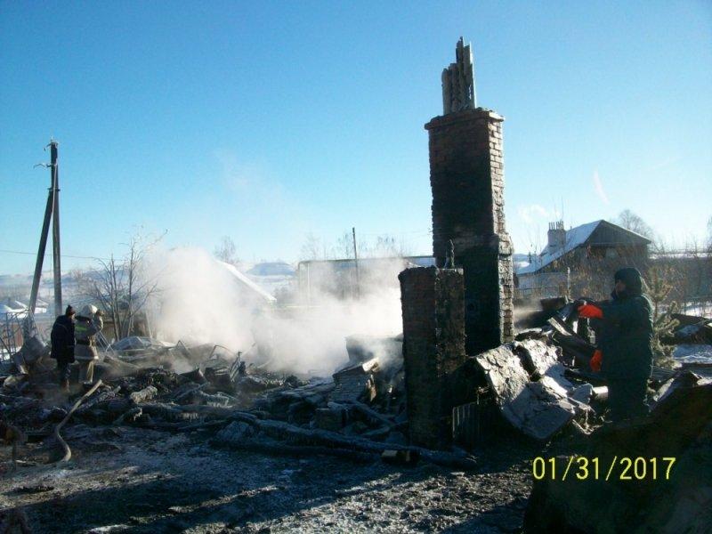 Под Ульяновском полностью сгорели жилой дом, баня и гараж. ФОТО, фото-3
