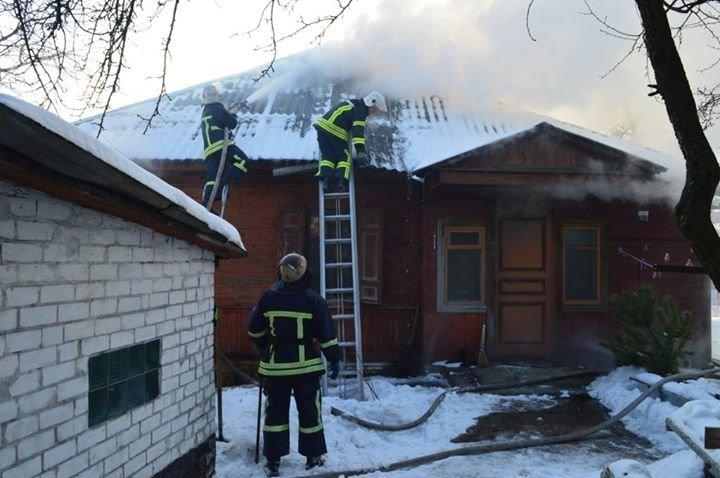 Пожар в частном доме в Чернигове тушили 25 спасателей, фото-4
