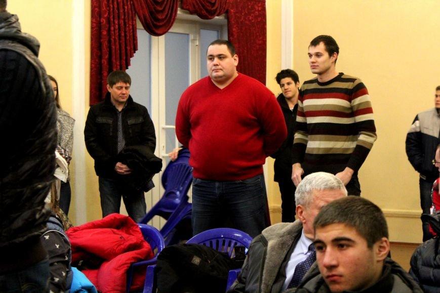 В Мариуполе на стипендии спортсменам выделили 680 тысяч гривен (ФОТО), фото-2