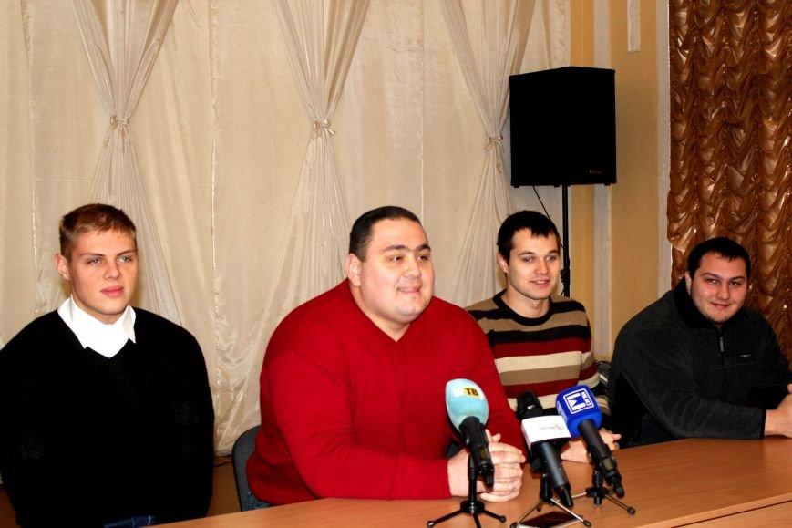 В Мариуполе на стипендии спортсменам выделили 680 тысяч гривен (ФОТО), фото-7