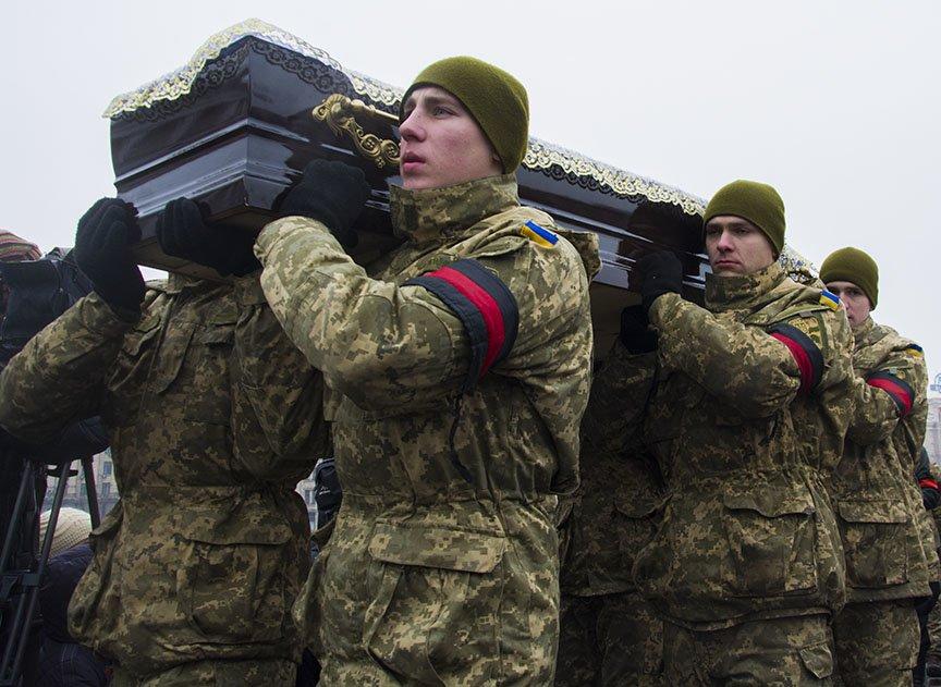 Киев простился с бойцами, погибшими под Авдеевкой (ФОТОРЕПОРТАЖ), фото-5