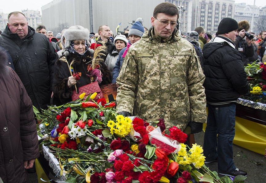 Киев простился с бойцами, погибшими под Авдеевкой (ФОТОРЕПОРТАЖ), фото-24