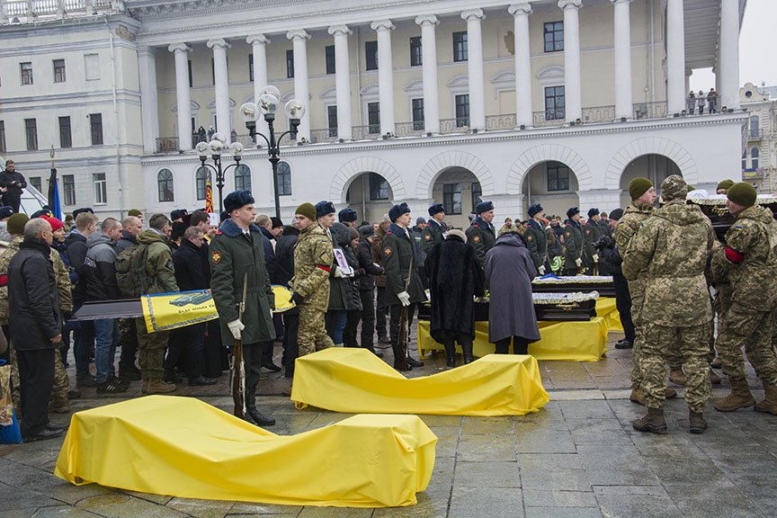 Киев простился с бойцами, погибшими под Авдеевкой (ФОТОРЕПОРТАЖ), фото-10