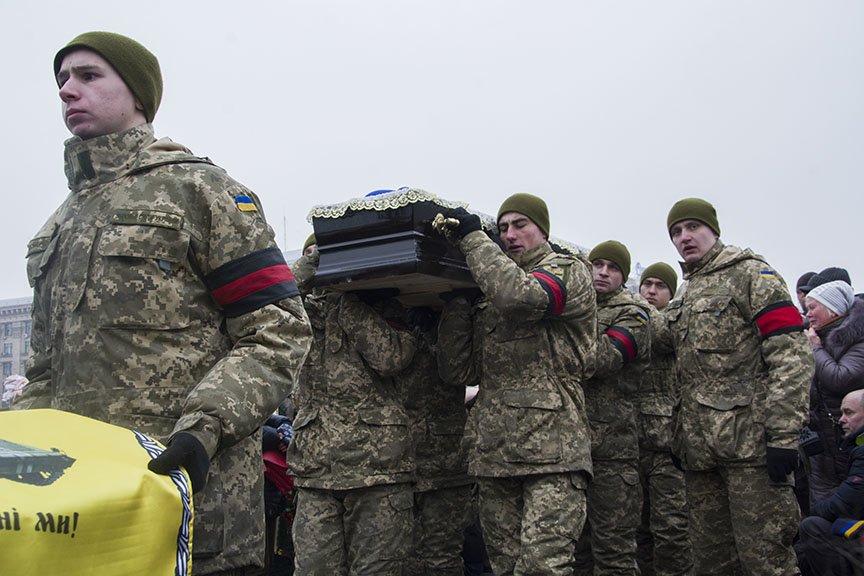 Киев простился с бойцами, погибшими под Авдеевкой (ФОТОРЕПОРТАЖ), фото-9