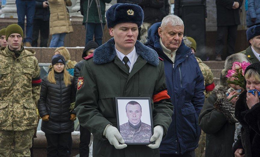 Киев простился с бойцами, погибшими под Авдеевкой (ФОТОРЕПОРТАЖ), фото-11