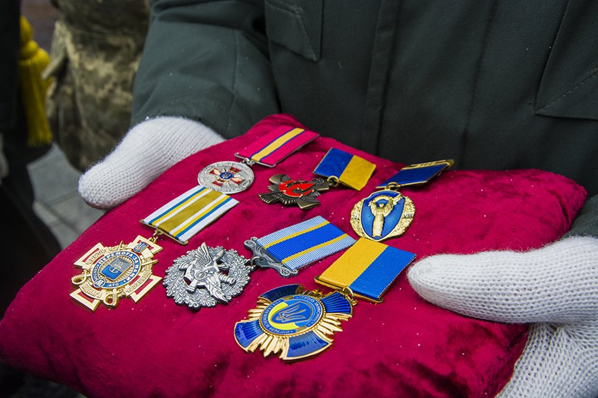 Киев простился с бойцами, погибшими под Авдеевкой (ФОТОРЕПОРТАЖ), фото-21