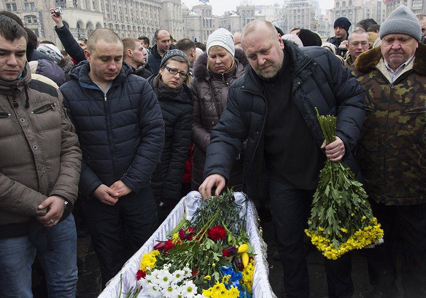 Киев простился с бойцами, погибшими под Авдеевкой (ФОТОРЕПОРТАЖ), фото-15