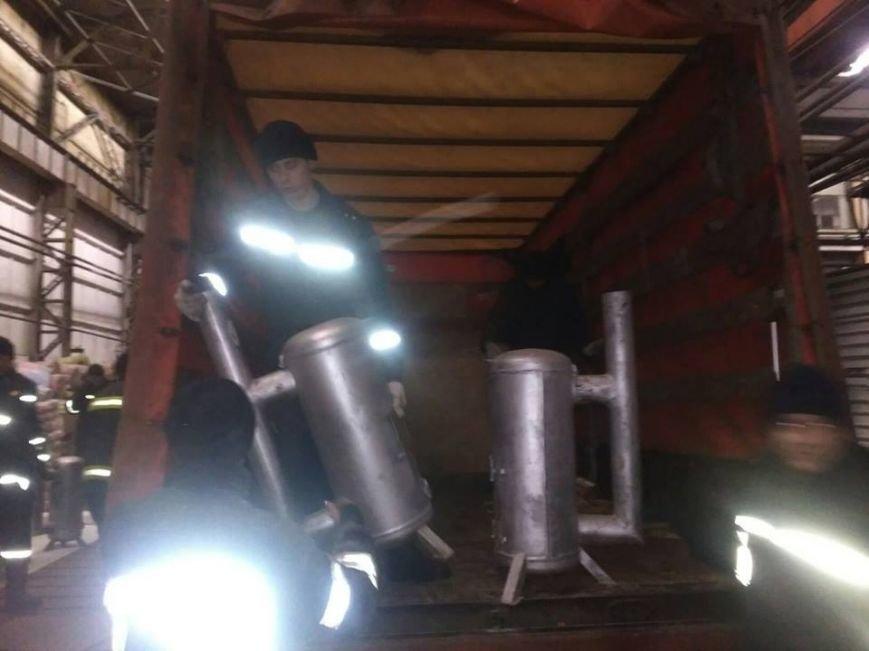 Буржуйки, дизпаливо та 20 тон гуманітарного вантажу відправлено до Авдіївки, фото-1