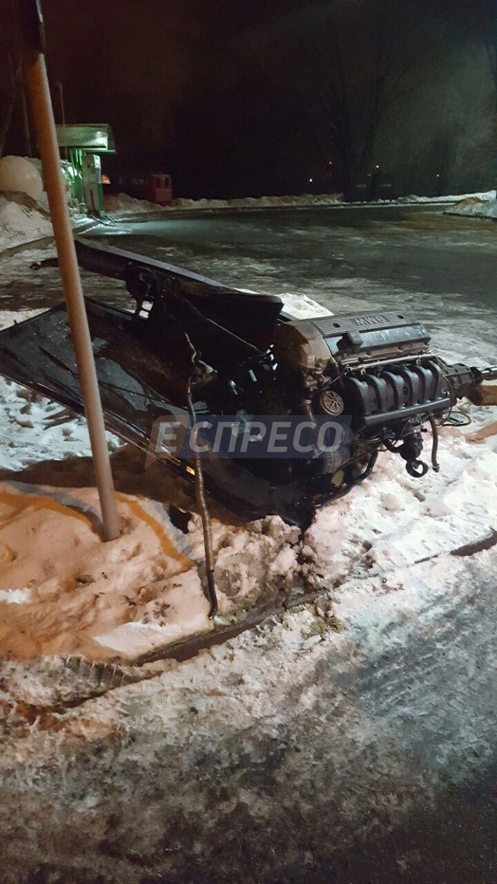 На Троещине BMW врезалась в фуру, есть жертвы (ФОТО), фото-2