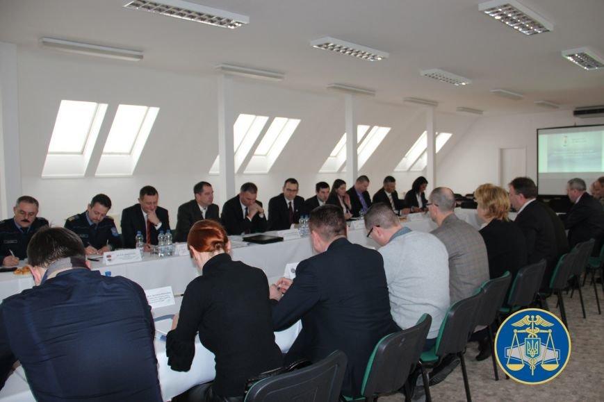 Незабаром між Україною та Угорщиною запрацює пункт пропуску зі спільним контролем: фото, фото-2
