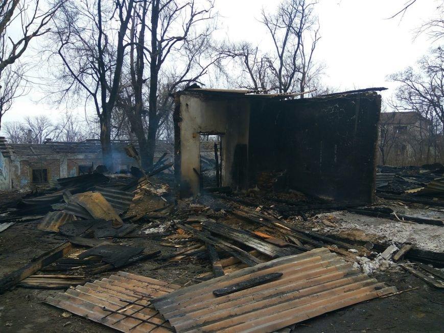 В Мариуполе сгорел лагерь бомжей (ФОТОРЕПОРТАЖ+ВИДЕО+ДОПОЛНЕНО), фото-2