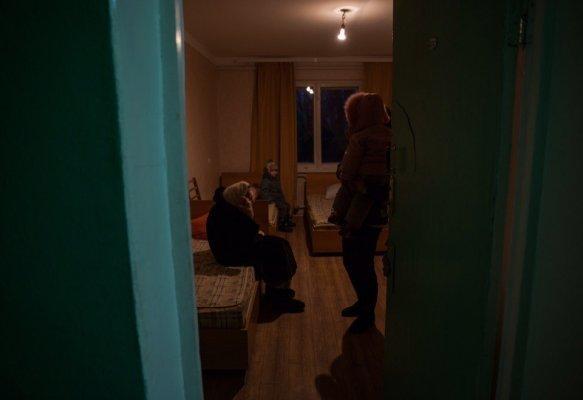 Под Мариуполем разместили около 30 жителей Авдеевки (ФОТО), фото-11