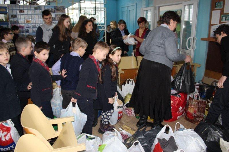 В Авдеевку спешит благотворительная помощь от жителей Золотоноши (ФОТО), фото-1