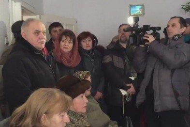 """В Кривом Роге: отменили конкурс управителей, """"заминировали"""" прокуратуру, криворожане отправили помощь в Авдеевку, фото-2"""