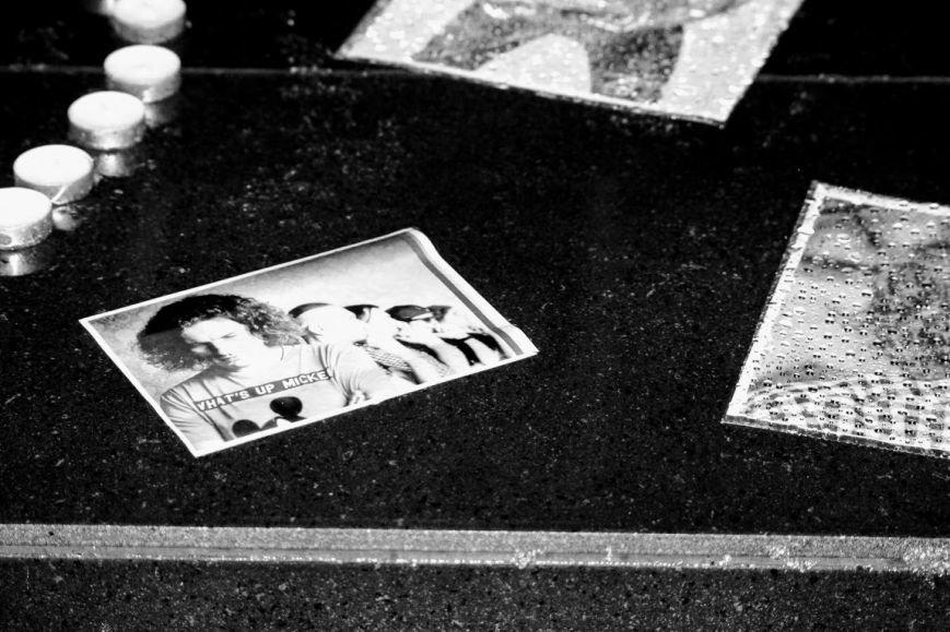 """""""Ужгород пам'ятає Кузьму"""": на Театральній вшанували пам'ять легендарного співака (ФОТОРЕПОРТАЖ), фото-4"""