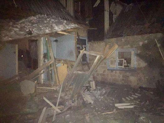 В Авдеевке боевики нанесли артудар по гуманитарным пунктам: 2 мирных жителя убиты, 2 - ранены (+ДОПОЛНЕНО+ФОТО), фото-3