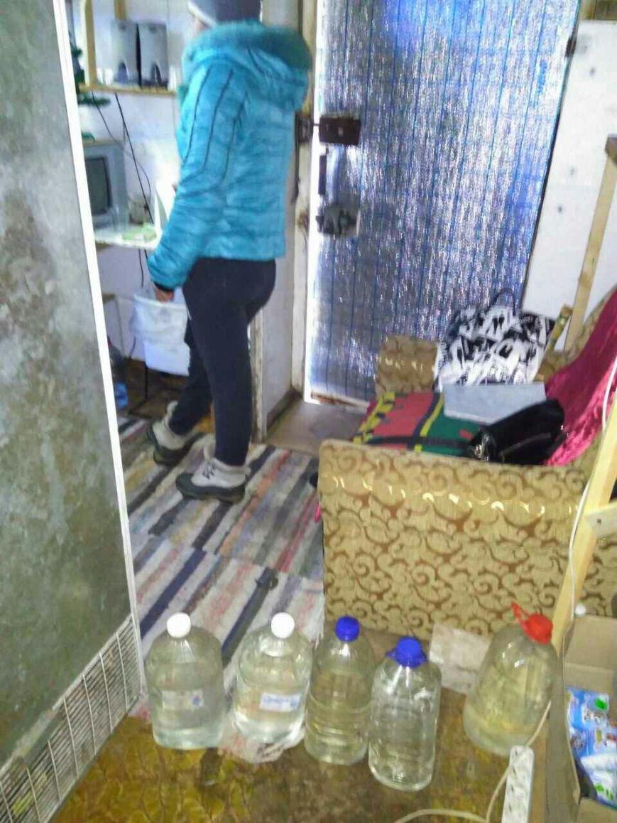 В Каменском изъяли нелегальный алкоголь из киоска на Ухтомского, фото-3