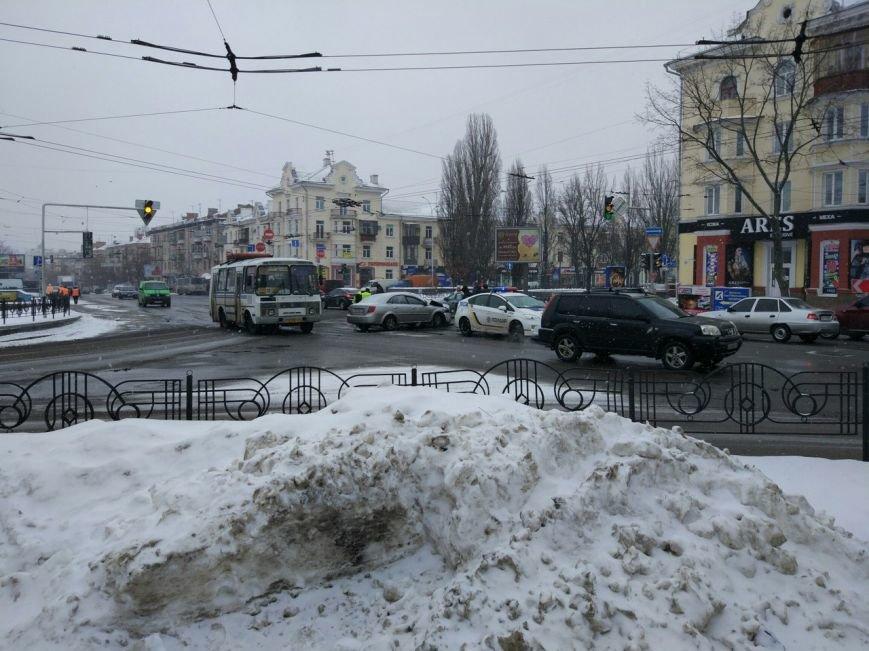 Два ДТП в центре Чернигова произошли в 10 метрах друг от друга, фото-2