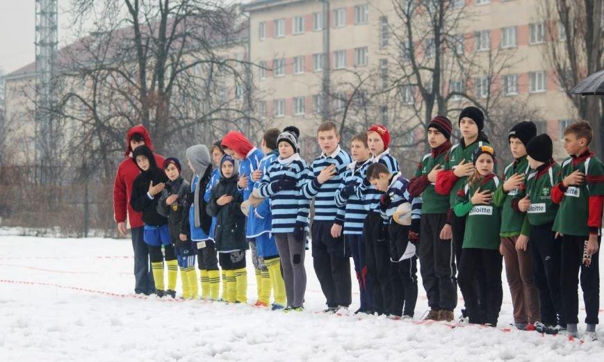 В Ужгороді відбувся перший в Україні турнір із регбі на снігу: фоторепортаж, фото-1