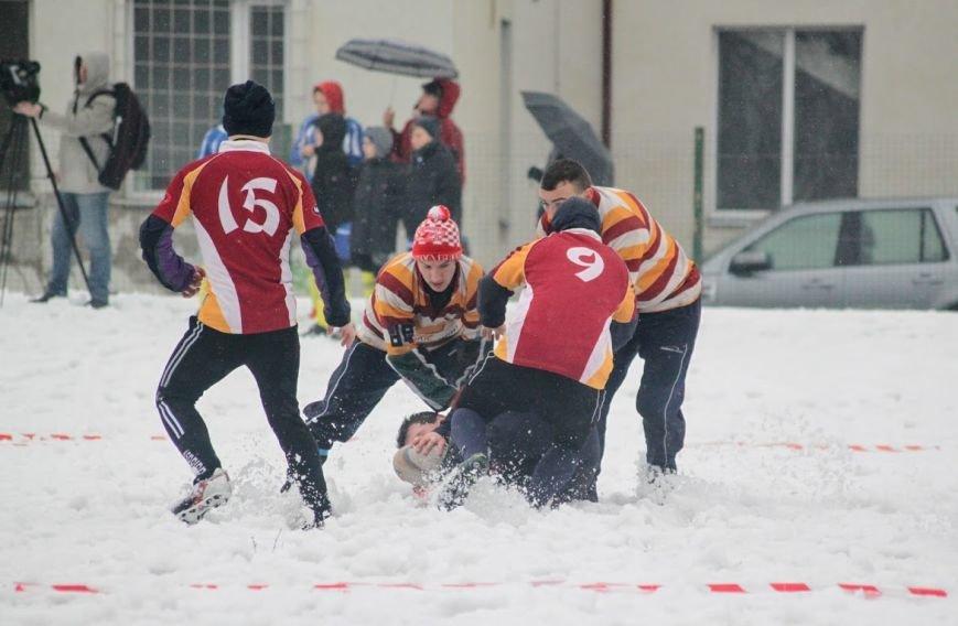 В Ужгороді відбувся перший в Україні турнір із регбі на снігу: фоторепортаж, фото-14