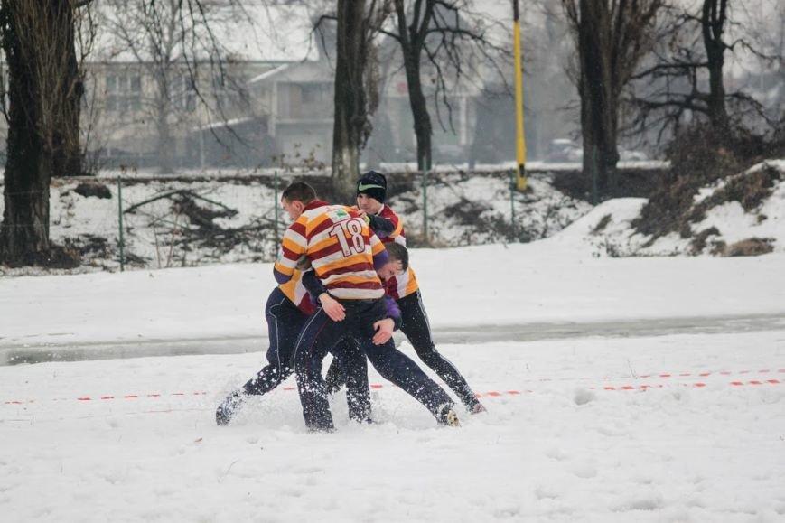 В Ужгороді відбувся перший в Україні турнір із регбі на снігу: фоторепортаж, фото-25