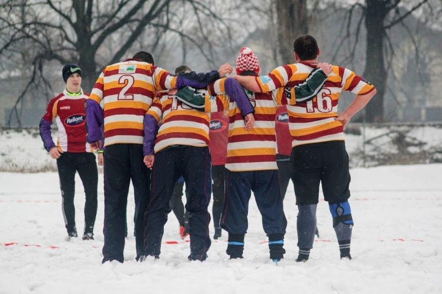 В Ужгороді відбувся перший в Україні турнір із регбі на снігу: фоторепортаж, фото-24