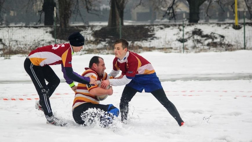 В Ужгороді відбувся перший в Україні турнір із регбі на снігу: фоторепортаж, фото-7