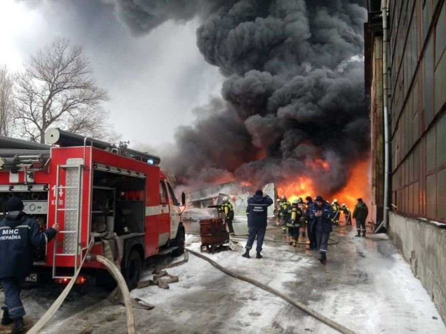 Пожар на Подоле ликвидировали (ФОТО), фото-1