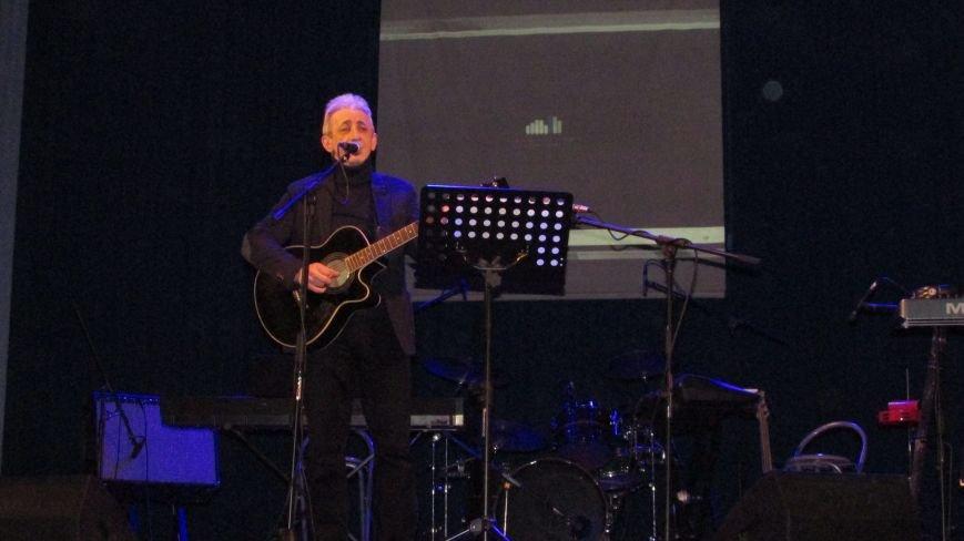 Два года без Кузьмы: мелитопольцы пели песни любимого артиста, фото-4