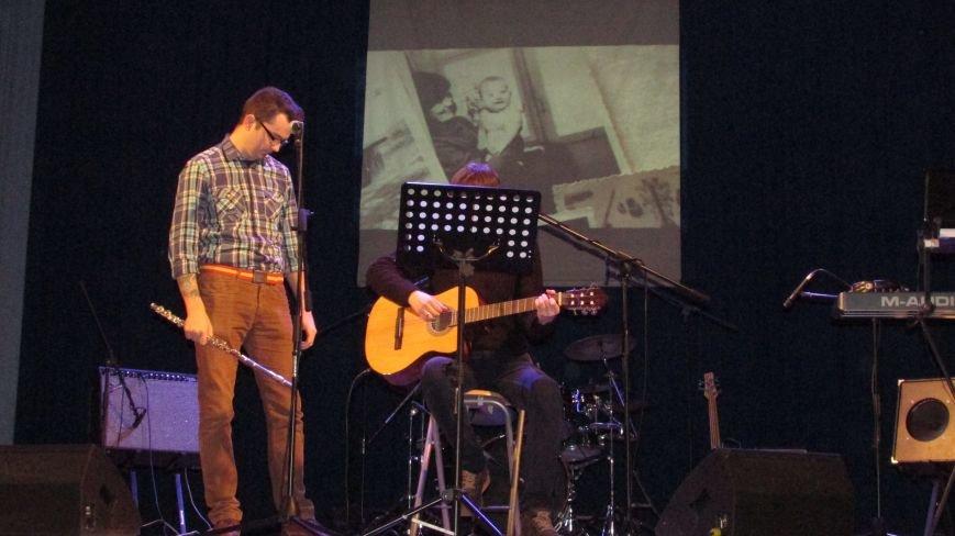 Два года без Кузьмы: мелитопольцы пели песни любимого артиста, фото-6